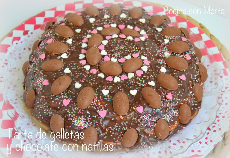 Tarta de galletas y chocolate con natillas