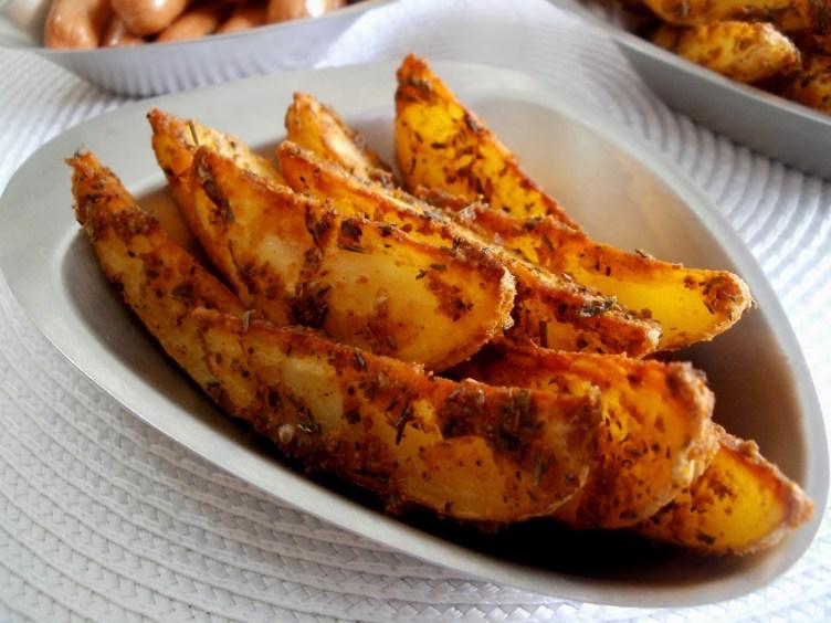 Gajos de patatas especiadas al horno