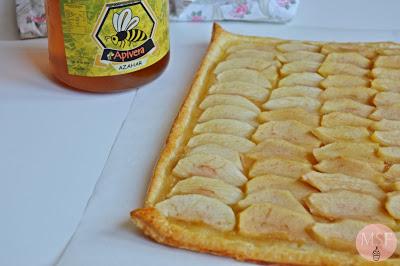 Tarta de hojaldre de manzana y miel de azahar