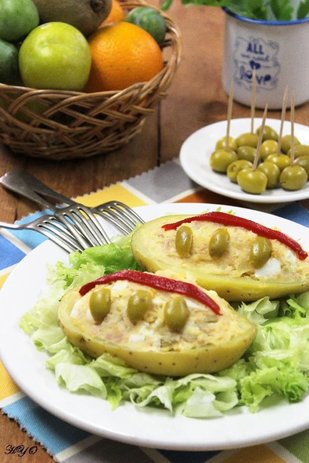 Patatas rellenas de ensaladilla