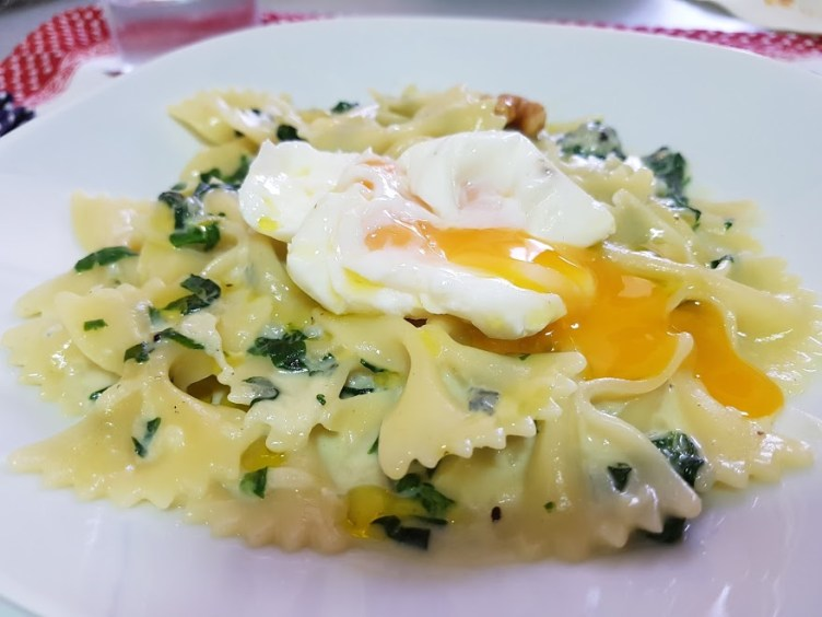 Pasta a la crema de queso