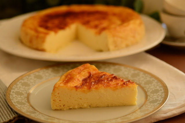 Pastel de queso fresco con miel