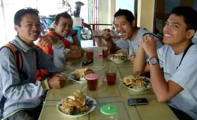 Sarapan Nasi Pecel