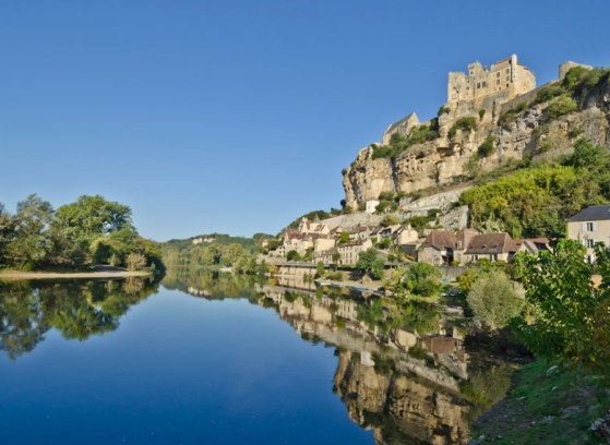 Beynac-et-Cazenac, Dordogne, Aquitaine, 5 Ways To The Explore Beautiful Aquitaine Region of France
