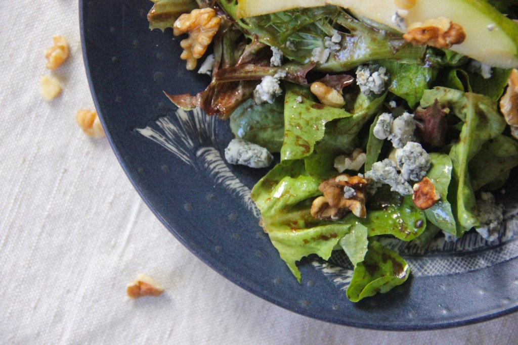 Satisfy your taste buds with this savory salad filled with healthy fats!