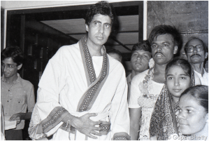 Amitabh Bachchan-and-his fans