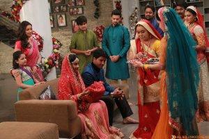 Deepika Gains Weight For Pregnancy Sequence in Diya Aur Baati Hum (2)