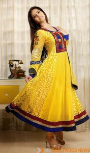 Sunny-Leone-Yellow-Faux-Georgette-Anarkali-Dress