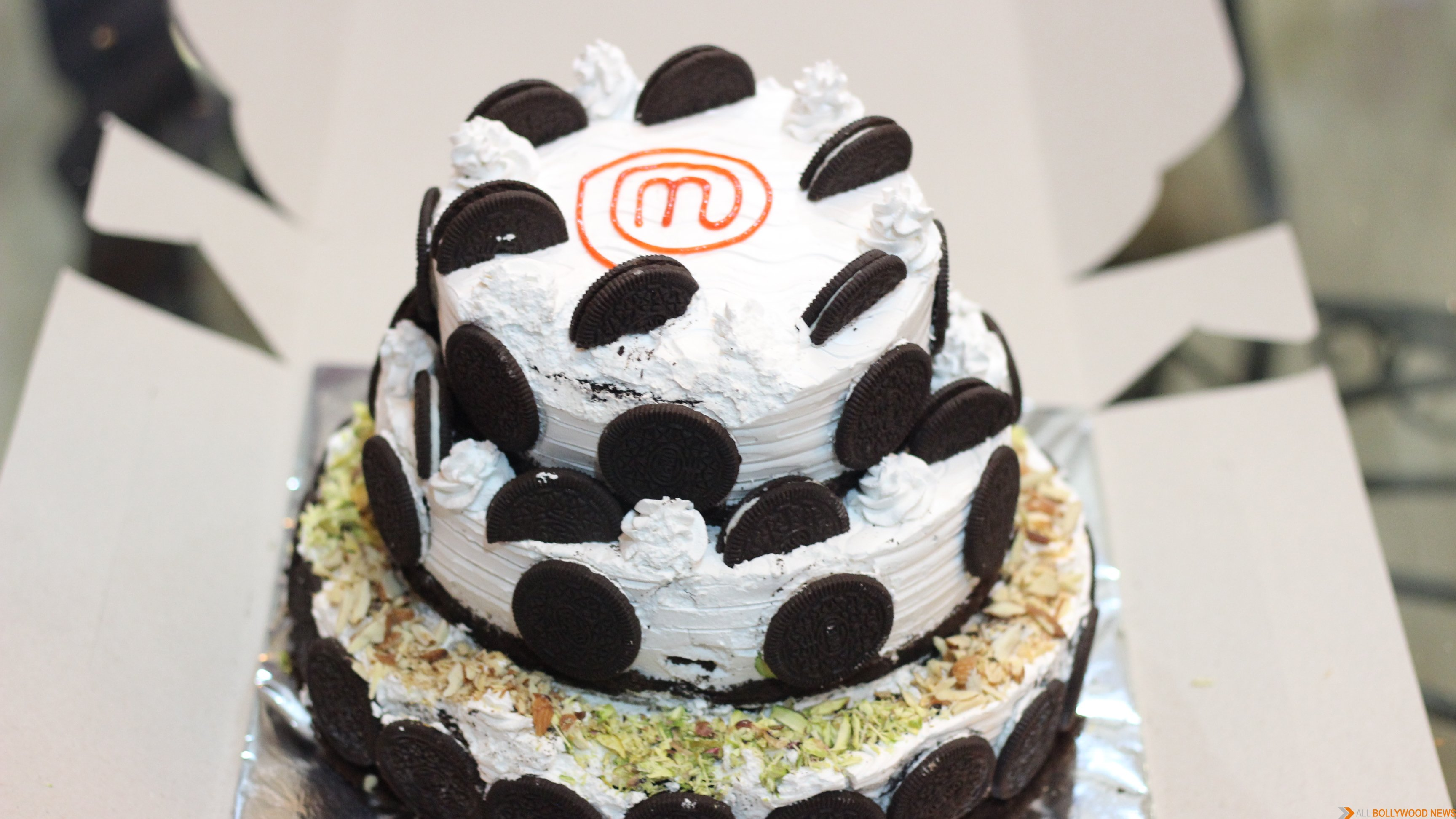 Vegan cake for Aamir Khan from MasterChef India-4 finalists