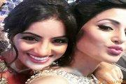 Hina and Deepika bond at Star Parivaar Awards