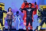Shivin Narang pulls off a heavy weight performance at the Star Parivaar Awards