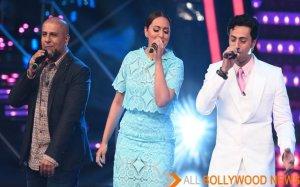 Sonakshi sings during Indian Idol Junior