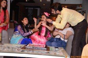 Ruhaanika Dhawan brings in her real birthday with Ishima (13)