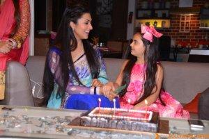 Ruhaanika Dhawan brings in her real birthday with Ishima (6)
