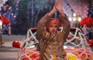 Vatsal Sheth Does The Naagin Dance In Baazigar