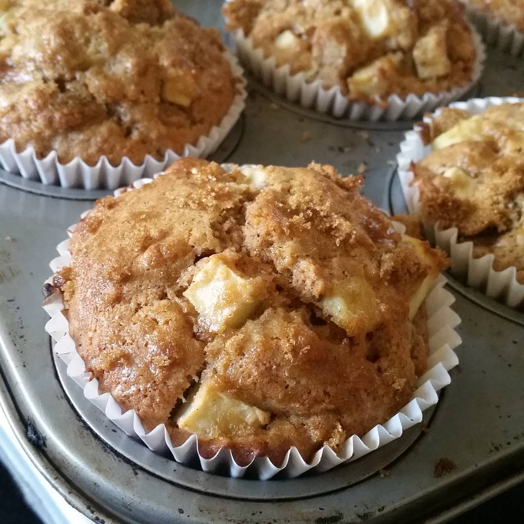 Wholemeal apple and cinnamon muffins