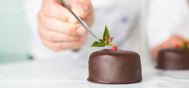 Read a Pastry Chef Job Description Is it for You? All Culinary