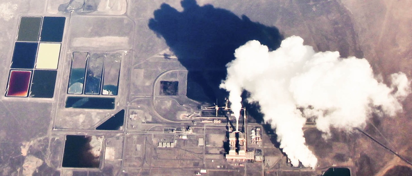 The Intermountain Power Plant is a coal-fired power plant in Delta, Utah and provides 80 percent of its electricity to the city of Los Angeles. Photo: Matt Hintsa via Flickr