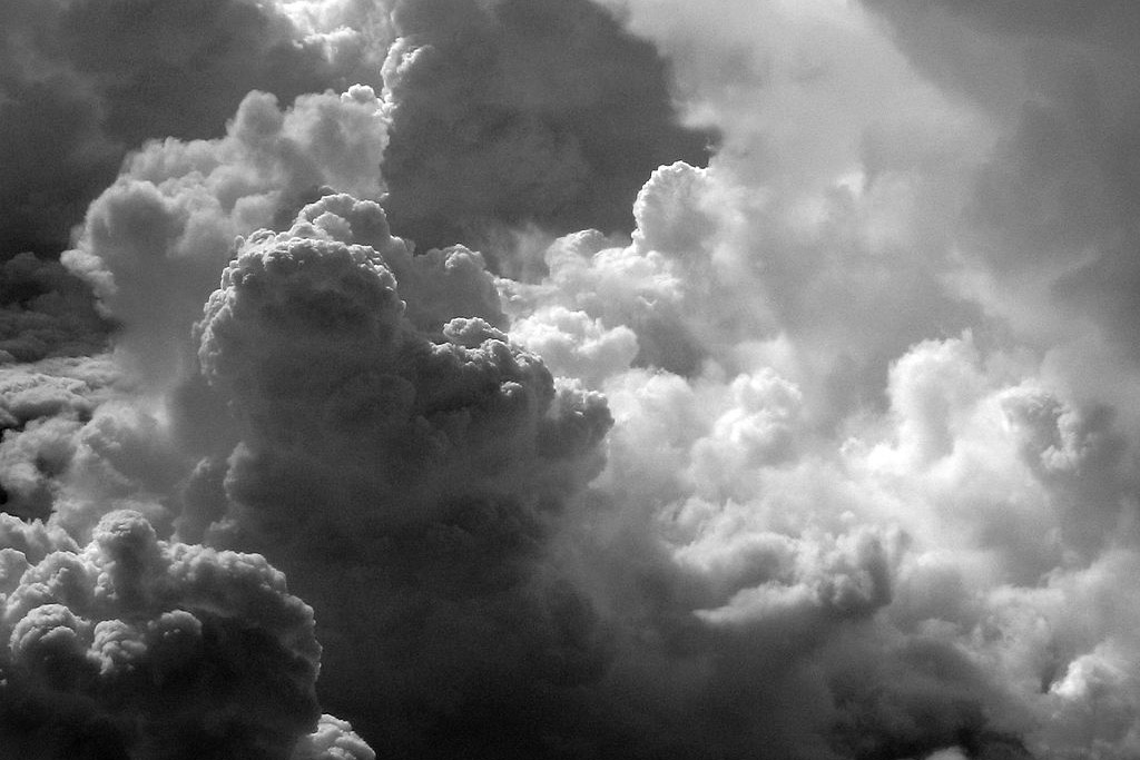 cumulus_clouds_seen_from_passenger_plane-1200px