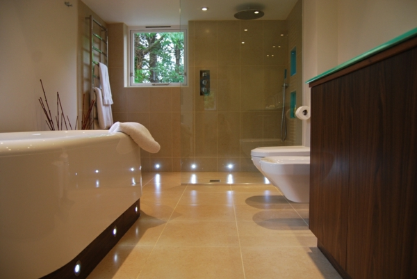 Amazing Good Licht Badezimmer Badezimmer Licht Online With Bad Ohne Fenster  Gestalten With Badezimmer Ohne Fenster