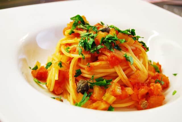 spaghetti-mit-tomaten-selle