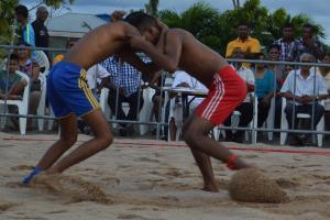 Foto 3 beach nickerie worstel