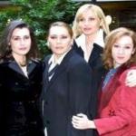 Claudia Koll (a sinistra), Barba De Rossi, Lorella Cuccarini (al centro), Carmen Giardina (a destra)