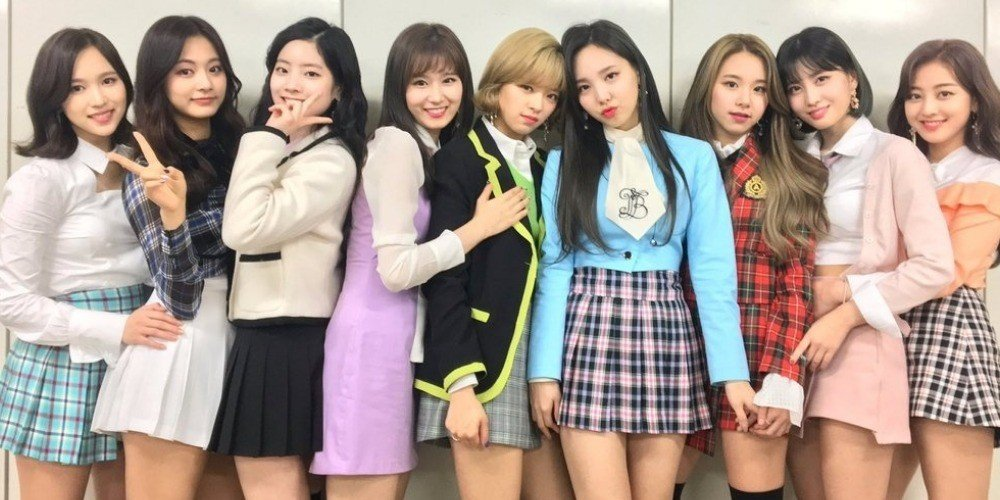 Girl Leg Wallpaper Twice Share How They Resolve Fights Among The Members