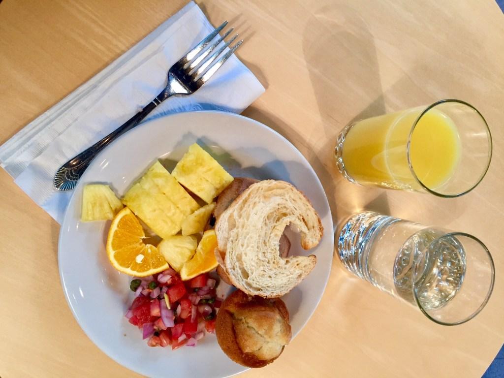 European breakfast at Hotel Sorella (Image by LoudPen)
