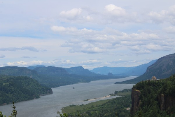 Columbia Gorge (Image by LoudPen)