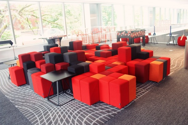 Radisson RED (Image by LoudPen)