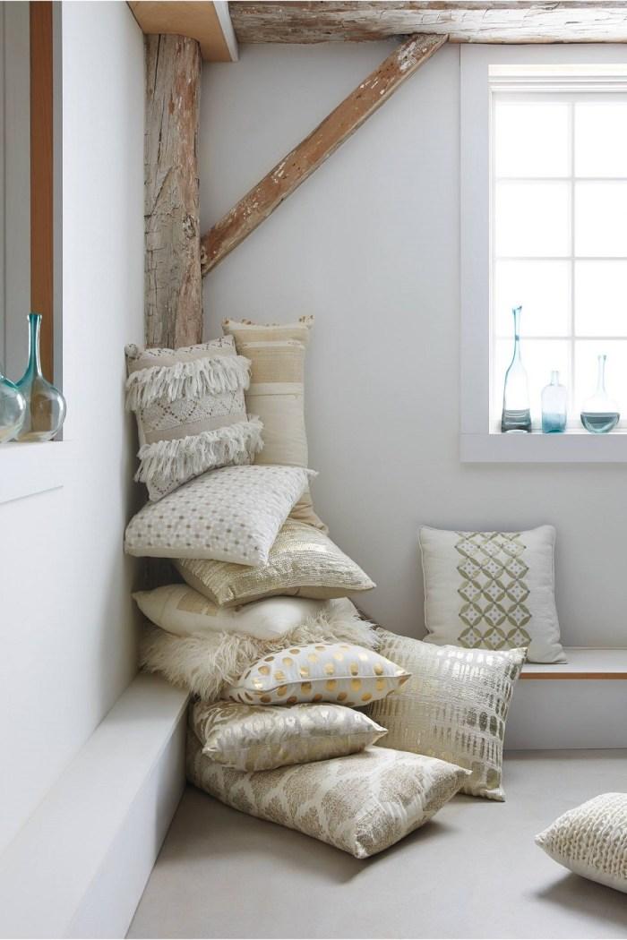 gold-throw-pillows