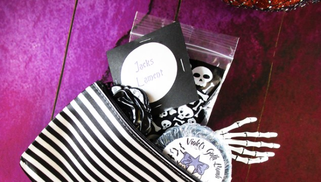 A look inside the Jack Indie Box with Halloween goodies! Swatches & reviews on All Things Beautiful XO including more on makeup, nail polish, & beauty!