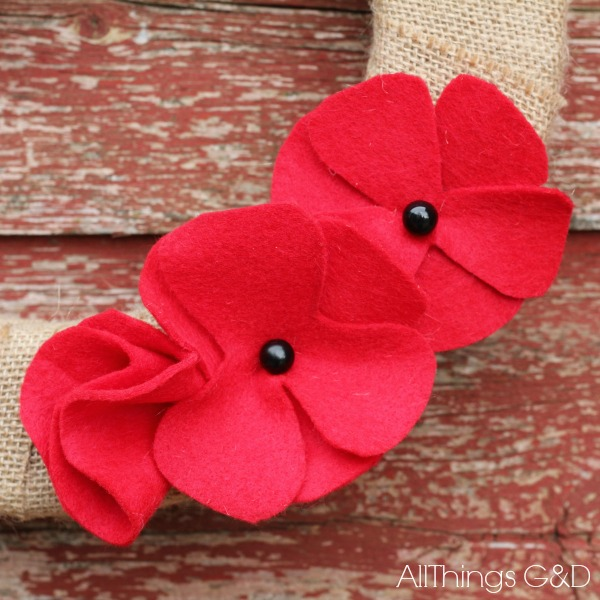 DIY Felt Poppies {Memorial Day Poppies} - All Things GD
