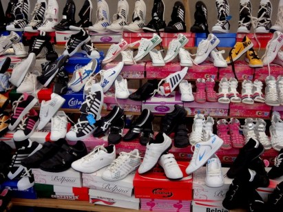 fake-shoes
