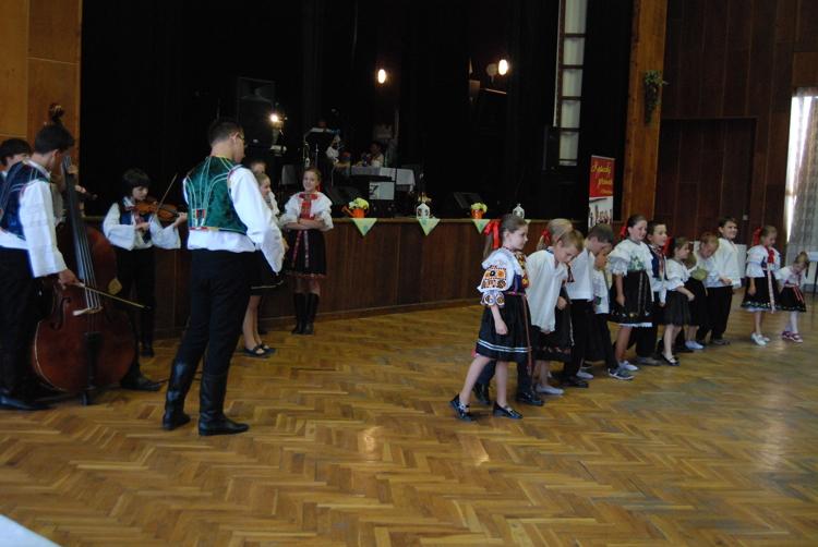 children dancing web 2