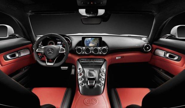 المقصورة الداخلية للسيارة مرسيدس ايه ام جي 2016