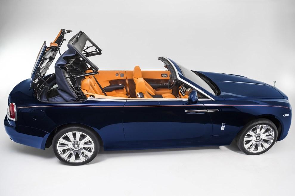 التصميم الداخلي للسيارة رولز رويس داون موديل 2016