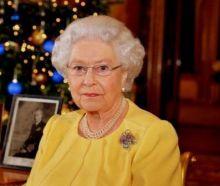 ملكة بريطانيا تكتب أول تغريدة لها على تويتر