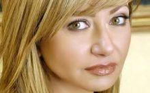 ماذا فعلت ليلى علوي لتبدو بهذا الجمال في عمر 52؟ + صورة