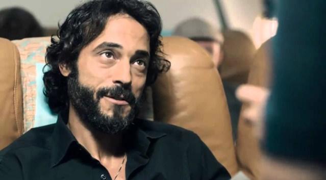 الممثل يوسف الشريف يستورد أدوات للسحر والشعوذة ليخدع الناس و يضحك على عقولهم