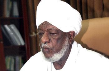 """""""علماء السودان"""" تطالب بمحاورة المتهم بالردة"""
