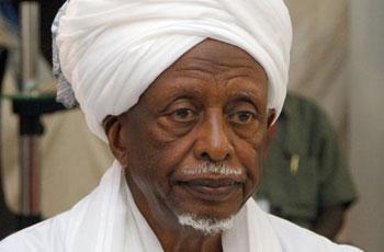 مجلس حكماء المسلمين يضم سوار الدهب لعضويته