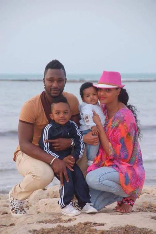 محترف الهلال كيبي وزوجته