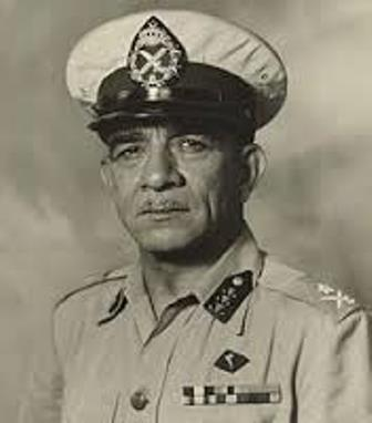 محمد نجيب