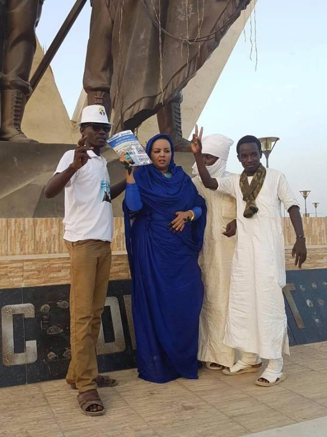 ملثمون من تشاد يحاصرون ندى القلعة.. والمطربة ترفع علم السودان بأنجمينا