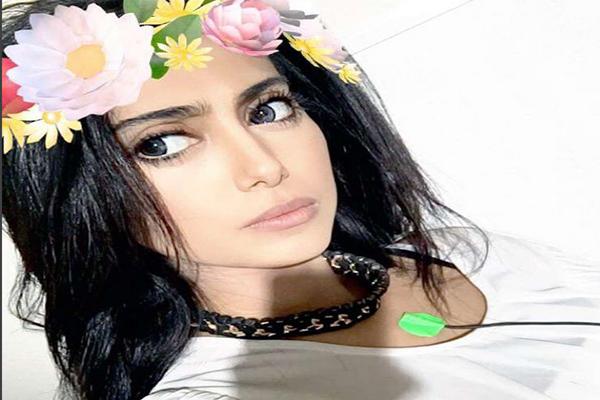 الممثلة وعارضة الأزياء البحرينية شيلاء سبت