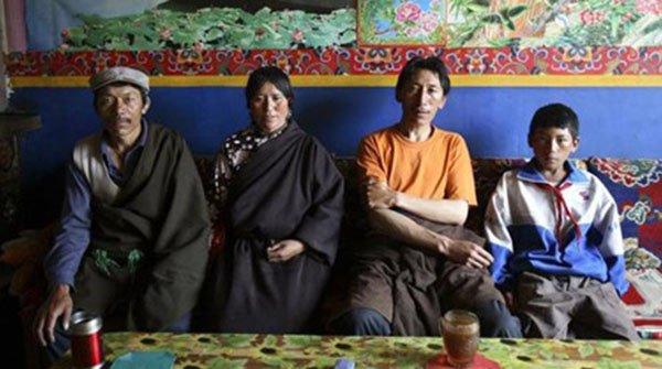 المجتمعات التي تتزوّج فيها المرأة أكثر من رجل