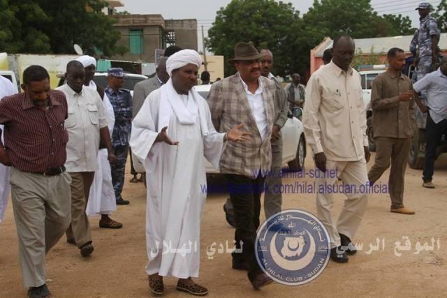 """رئيس الهلال الكاردينال يلتقي والي جنوب دارفور ويدعم مستشفي نيالا بـ""""2"""" مليار"""