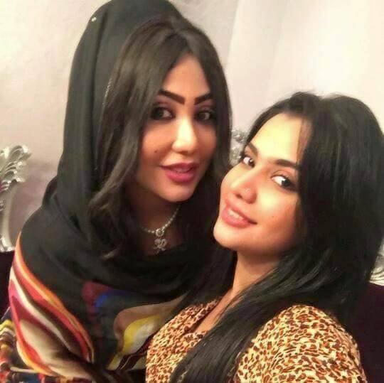 """الحسناء السودانية """"لوشي"""" ووالدتها خبيرة التجميل سوسن الخفجي تجتمعان في صورة واحدة"""